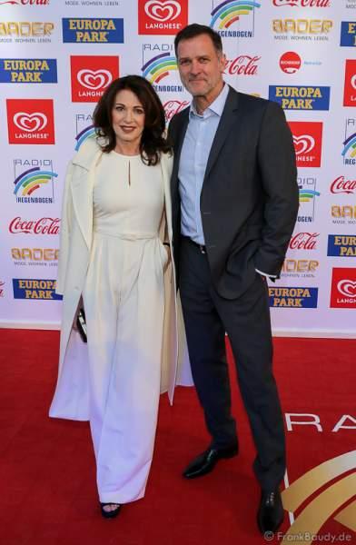 Iris Berben und Ehemann Heiko Kiesow beim Radio Regenbogen Award 2017 am 07. April in der Europa-Park Arena in Rust