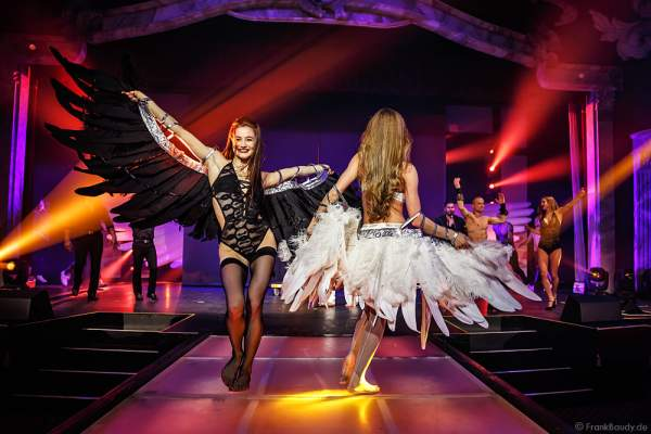 Party-Show Night.Beat.Angels 2017 mit Marina Sakhokiia und Marina Mazepa im barocken Teatro dell'Arte - Europa-Park