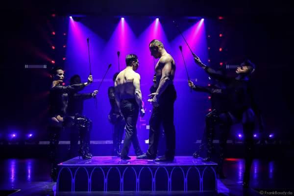 Adam Vazquez und Anton Makukhin als Duo A&A bei der Party-Show Night.Beat.Angels 2017 im Europa-Park