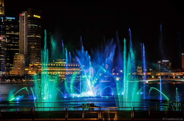 New light and water show SPECTRA at Marina Bay Sands Singapore