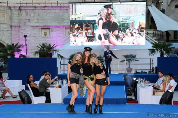 Gewinnerteam Niederlande Vienne Passchier, Zoé Niewold und Floor Masselink im sexy Outfit beim 2. Europäischen Missen TEAM-Cup am 6. Juli 2017 im Europa-Park in Rust