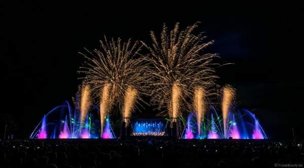 ORSOphilharmonic mit Sound of Cinema beim Festival-Vents-d-Est mit Wassershow und Feuerwerk bei Art et Lumière 2017 in Furdenheim