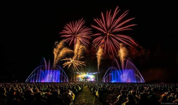 Konzert mit Patricia Kaas beim Festival-Vents-d-Est mit Wassershow und Feuerwerk bei Art et Lumière 2017 in Furdenheim