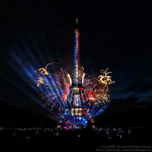 Le feu d'artifice du 14 juillet 2017 à la Tour Eiffel - candidature Olympiques 2024