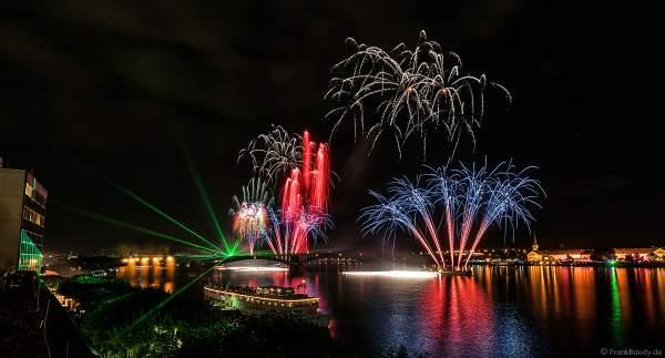 Brillantes Feuerwerk mit Lasershow bei den Mainzer Sommerlichter 2017