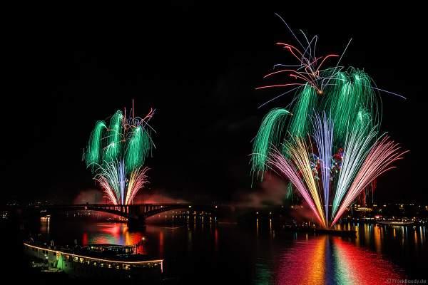 Feuerwerk bei den Mainzer Sommerlichter 2017