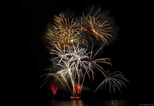Musikfeuerwerk SWINGING STARS bei Rhein in Flammen 2017 in Oberwesel, Nacht der 1000 Feuer, zündwerk