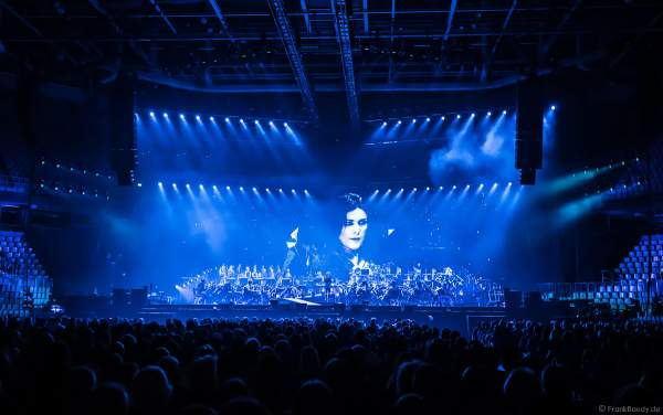 Dirigentin Alexandra Arrieche und das Antwerp Philharmonic Orchestra bei Night of the Proms 2017 in der SAP Arena Mannheim