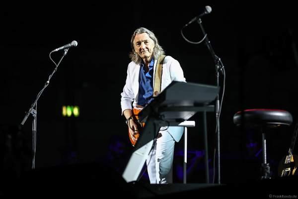 Roger Hodgson (Charles Roger Pomfret Hodgson), britischer Musiker- einstiger Frontmann und Sänger der Band Supertramp bei Night of the Proms 2017 in der SAP Arena Mannheim