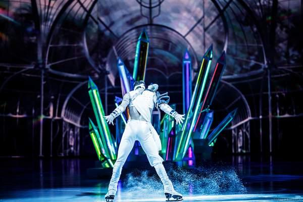 Eisläufer und Model Wesley Campbell bei der Eisshow ATLANTIS von Holiday on Ice in der Festhalle Frankfurt und SAP Arena Mannheim 2017-2018