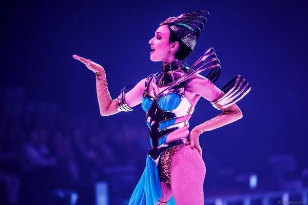 Brooke Andersen bei der Eisshow ATLANTIS von Holiday on Ice in der Festhalle Frankfurt und SAP Arena Mannheim 2017-2018