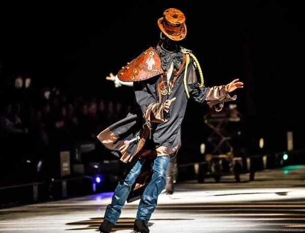 Matthew Fogg bei der Eisshow ATLANTIS von Holiday on Ice in der Festhalle Frankfurt und SAP Arena Mannheim 2017-2018