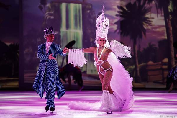Matti Landgraf und Courtney Wren als Einhorn bei der Eisshow ATLANTIS von Holiday on Ice in der Festhalle Frankfurt und SAP Arena Mannheim 2017-2018