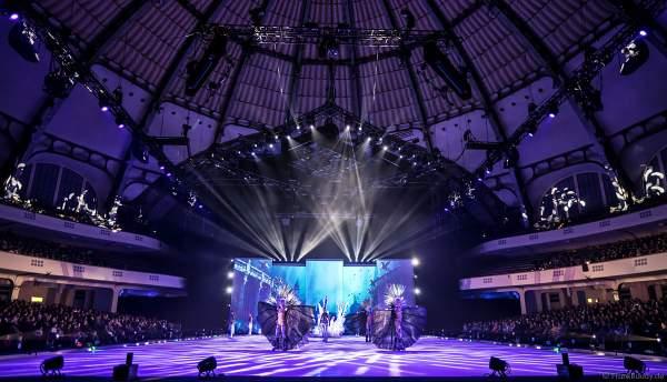 Das Finale bei der Eisshow ATLANTIS von Holiday on Ice in der Festhalle Frankfurt und SAP Arena Mannheim 2017-2018
