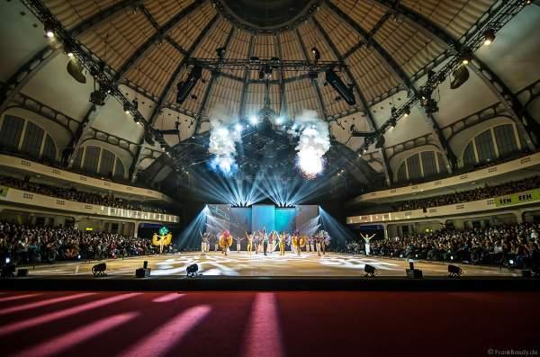 Das Finale bei der Eisshow ATLANTIS von Holiday on Ice in der Festhalle Frankfurt 2017-2018