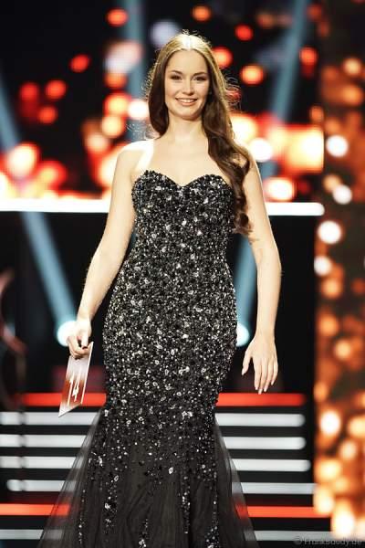 Sarah Deborah Zahn (Miss Bayern 2018) im Abendkleid beim Miss Germany 2018 Finale in der Europa-Park Arena am 24.02.2018