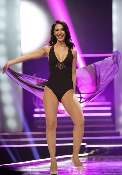 Miss Internet 2018, Tamar Morali im Badeanzug beim Miss Germany 2018 Finale in der Europa-Park Arena am 24.02.2018