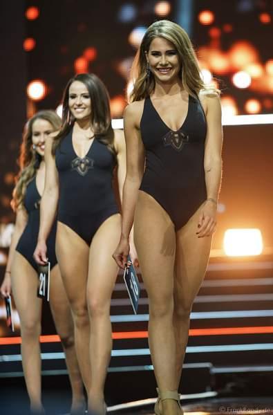 Die Finalistinnen im Badeanzug beim Miss Germany 2018 Finale in der Europa-Park Arena am 24.02.2018