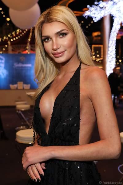 Sexy Guiliana Farfalla (Pascal Radermacher) - deutsches transsexuelles Model und eine Reality-TV-Teilnehmerin beim Miss Germany 2018 Finale in der Europa-Park Arena am 24.02.2018