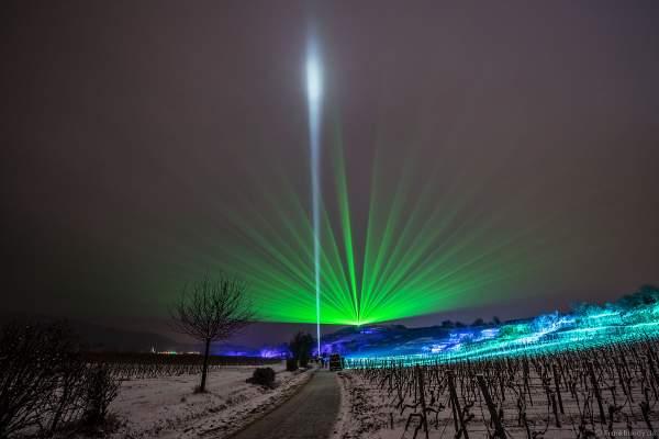 Weinbergnacht 2018 mit Laserfächer über den Weinterassen im Schnee in Bad Dürkheim