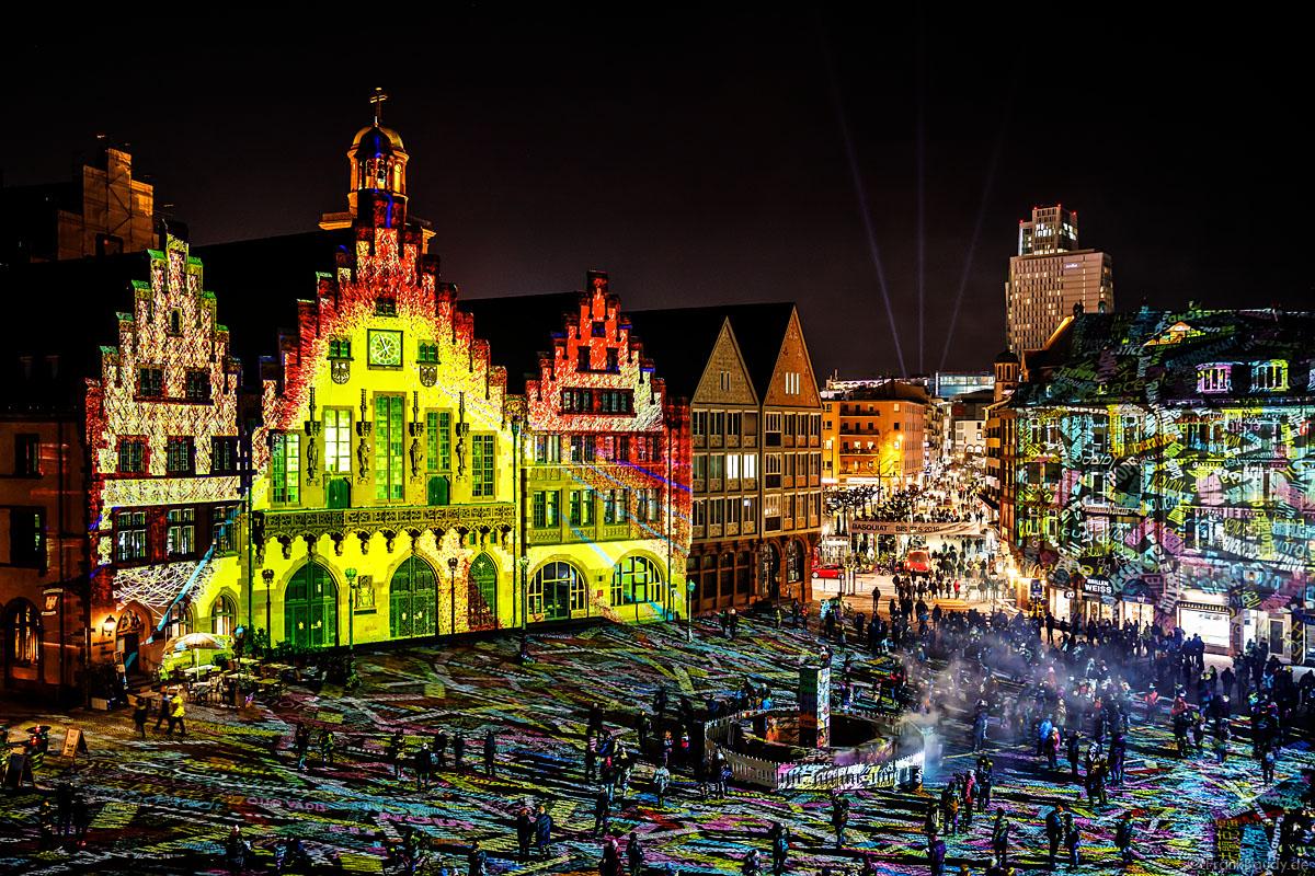 Imposante lichtinstallation frankfurt fades bei der luminale seitenstopper for Lichtmesse frankfurt
