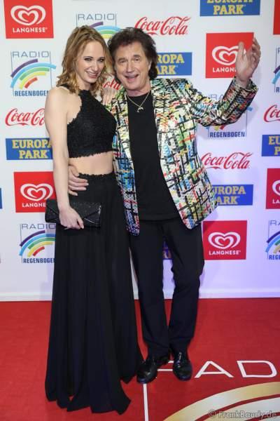 Olaf Malolepski, ex Flippers Sänger mit Tochter Pia Malolepski beim Radio Regenbogen Award 2018 am 23. März in der Europa-Park Arena in Rust