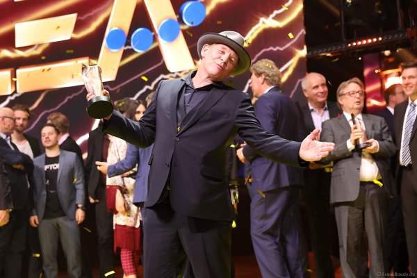 Ben Becker freut sich über den PRG Live Entertainment Award (LEA) 2018