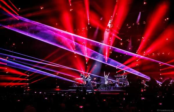 Heißer Techno-Bühnenauftritt von Scooter (H.P. Baxxter) beim PRG Live Entertainment Award (LEA) 2018 in der Festhalle in Frankfurt
