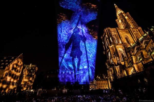 Lichtspiel bei der Sommershow LuX am Münster in Straßburg 2018