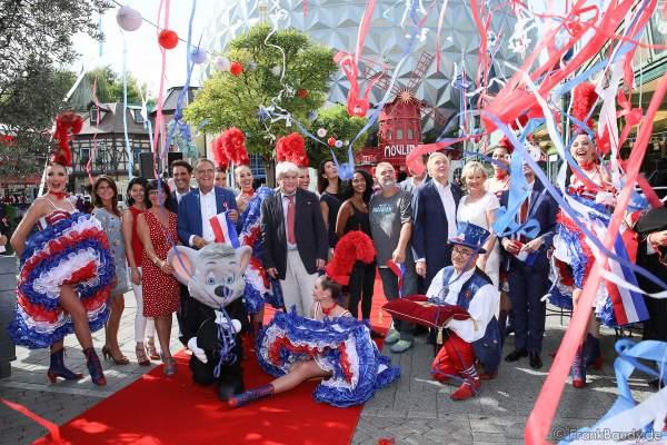 Familie Mack, Jean-Jacques und Jean-Victor Clerico und die Tänzerinnen des Moulin Rouge, Regisseur Luc Besson mit seiner Frau Virginie bei der Eröffnung der Eurosat – CanCan Coaster & Eurosat Coastiality Achterbahn im Europa-Park am 12. September 2018