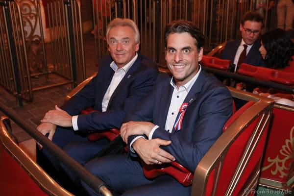 Jürgen und Thomas Mack kurz vor der Achterbahnfahrt mit der neuen Eurosat – CanCan Coaster