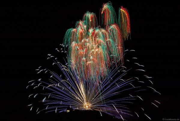 Feuerwerk an der Michaelskapelle auf dem Michelsberg beim Wurstmarkt 2018 in Bad Dürkheim