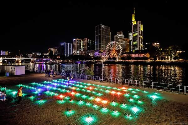 110 LED-Quadrocopter der Firma SKYMAGIC für die große Drohnen- und Lichtshow STERNENBILDER – EINE SYMPHONIE FÜR DIE FRANKFURTER ALTSTADT 2018