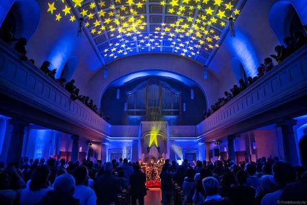 CHURCH IN COLORS mit Sternenhimmel in der Prot. Kirche Böhl am 28. Oktober 2018
