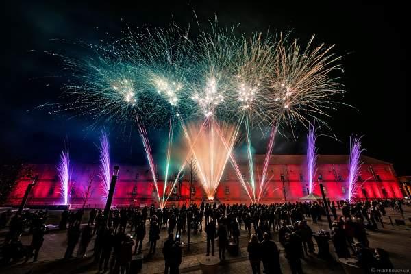 Feuerwerk zur Einweihung am Paradeplatz in Germersheim beim neuen Einkaufszentrum Fachmarktzentrum Stadtkaserne