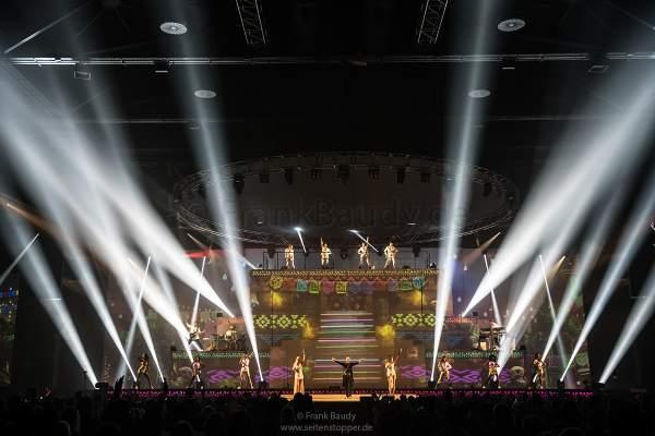 Große Lightshow bei der Show KaleidoLuna von DJ BoBo am 11. Januar 2019 in der Europa-Park Arena Rust