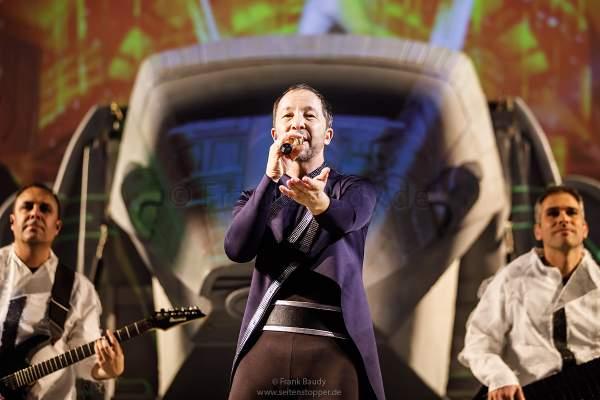 DJ BoBo bei der Weltpremiere der Show KaleidoLuna am 11. Januar 2019 in der Europa-Park Arena Rust