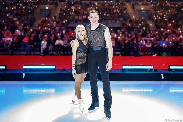 Eiskunstlauf-Olympiasieger Aljona Savchenko und Bruno Massot vor dem Mannheimer Publikum bei SHOWTIME von Holiday on Ice 2018-2019