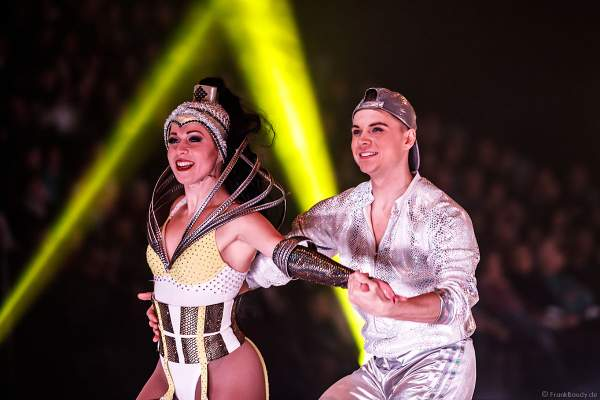 Danil Berdnikov und Joyce den Hollander bei der Eisshow SHOWTIME von Holiday on Ice in der Festhalle Frankfurt und SAP Arena Mannheim 2018-2019