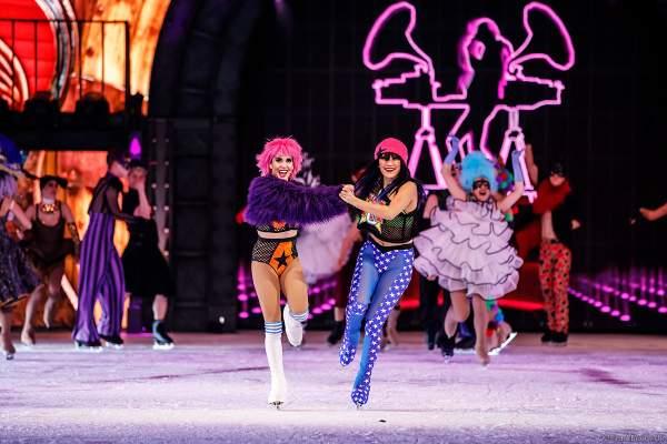 Valentina Marchei und Tippy Packard bei der Eisshow SHOWTIME von Holiday on Ice in der Festhalle Frankfurt und SAP Arena Mannheim 2018-2019