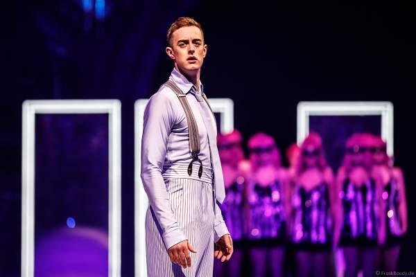 Colin Grafton als bei der Eisshow SHOWTIME von Holiday on Ice in der Festhalle Frankfurt und SAP Arena Mannheim 2018-2019