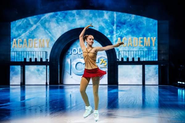 Kiara Siehr vom Mannheimer ERC bei der Eisshow SHOWTIME von Holiday on Ice in der SAP Arena Mannheim 2018-2019