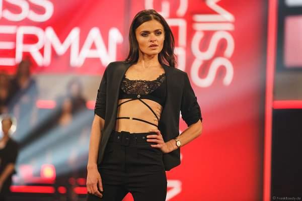 Miss Thüringen 2018/19, Natali Grekov in sexy Dessous/Lingerie beim Miss Germany 2019 Finale in der Europa-Park Arena am 23.02.2019
