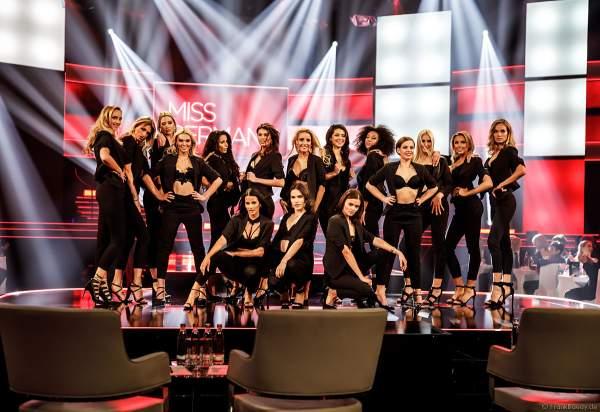 Opening im sexy Outfit: Miss Baden-Württemberg 2019 - Nadine Berneis, Miss Bayern 2018/19 - Verena Mann, Miss Berlin 2018/19 - Illa-Lisa Albers, Brandenburg 2018/19 - Marie-Charlott Köhler, Miss Bremen 2018/19 - Marianne Kock, Miss Hamburg 2018/19 - Pricilla Klein, Miss Hessen 2018/19 - Saida Rovcanin, Miss Mecklenburg-Vorpommern 2018/19 - Lena Rottloff, Miss Niedersachsen 2018/19 - Sarah Wipperfürth, Miss Nordrhein-Westfalen - Lara-Kristin, Miss Rheinland-Pfalz 2018/19 - Alina Cara Beyer, Miss Saarland 2018/19 - Miriam Cissé, Miss Sachsen 2018/19 - Anastasia Aksak, Miss Sachsen-Anhalt 2018/19 - Celine Peschek, Miss Schleswig-Holstein 2018/19 - Lara Flatterich, Miss Thüringen 2018/19 - Natali Grekov beim Finale Miss Germany 2019