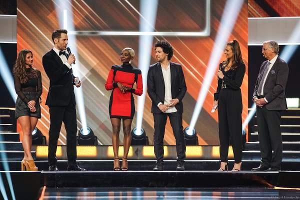 Die Jury: Wolfgang Bosbach, Boris Entrup, Nikeata Thompson und Sarah Lombardi bei der Miss Germany 2019 Wahl in der Europa-Park Arena am 23.02.2019
