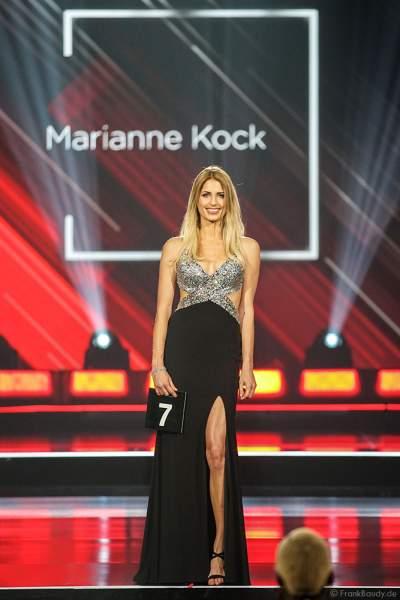Miss Bremen 2018/19, Marianne Kock im Abendkleid auf dem Laufsteg beim Miss Germany 2019 Finale in der Europa-Park Arena am 23.02.2019