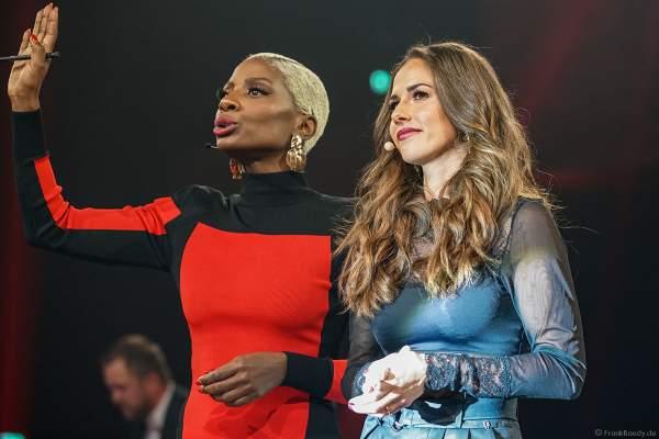 Nikeata Thompson und Sarah Lombardi in der Jury beim Finale der Miss Germany Wahl 2019 in der Europa-Park Arena am 23.02.2019