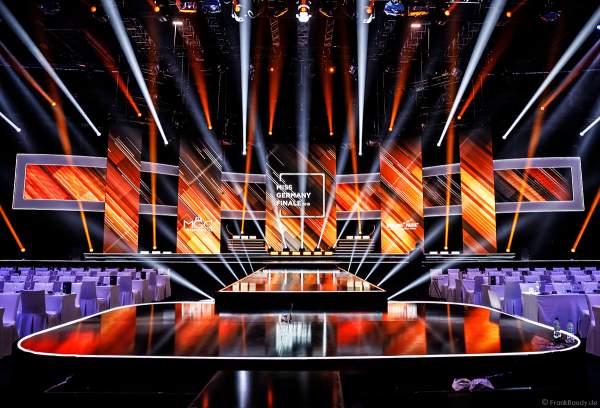 Showbühne und Laufsteg beim Finale der Miss Germany Wahl 2019 in der Europa-Park Arena am 23.02.2019