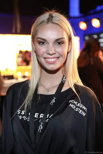 Miss Schleswig-Holstein 2018/19, Lara Flatterich Backstage am Nachmittag bei den Vorbereitungen für das Miss Germany 2019 Finale in der Europa-Park Arena am 23.02.2019