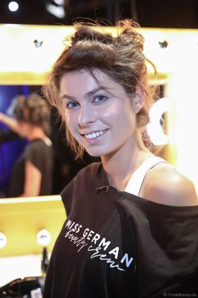 Miss Rheinland-Pfalz 2018/19, Alina Cara Beyer Backstage am Nachmittag bei den Vorbereitungen für das Miss Germany 2019 Finale in der Europa-Park Arena am 23.02.2019